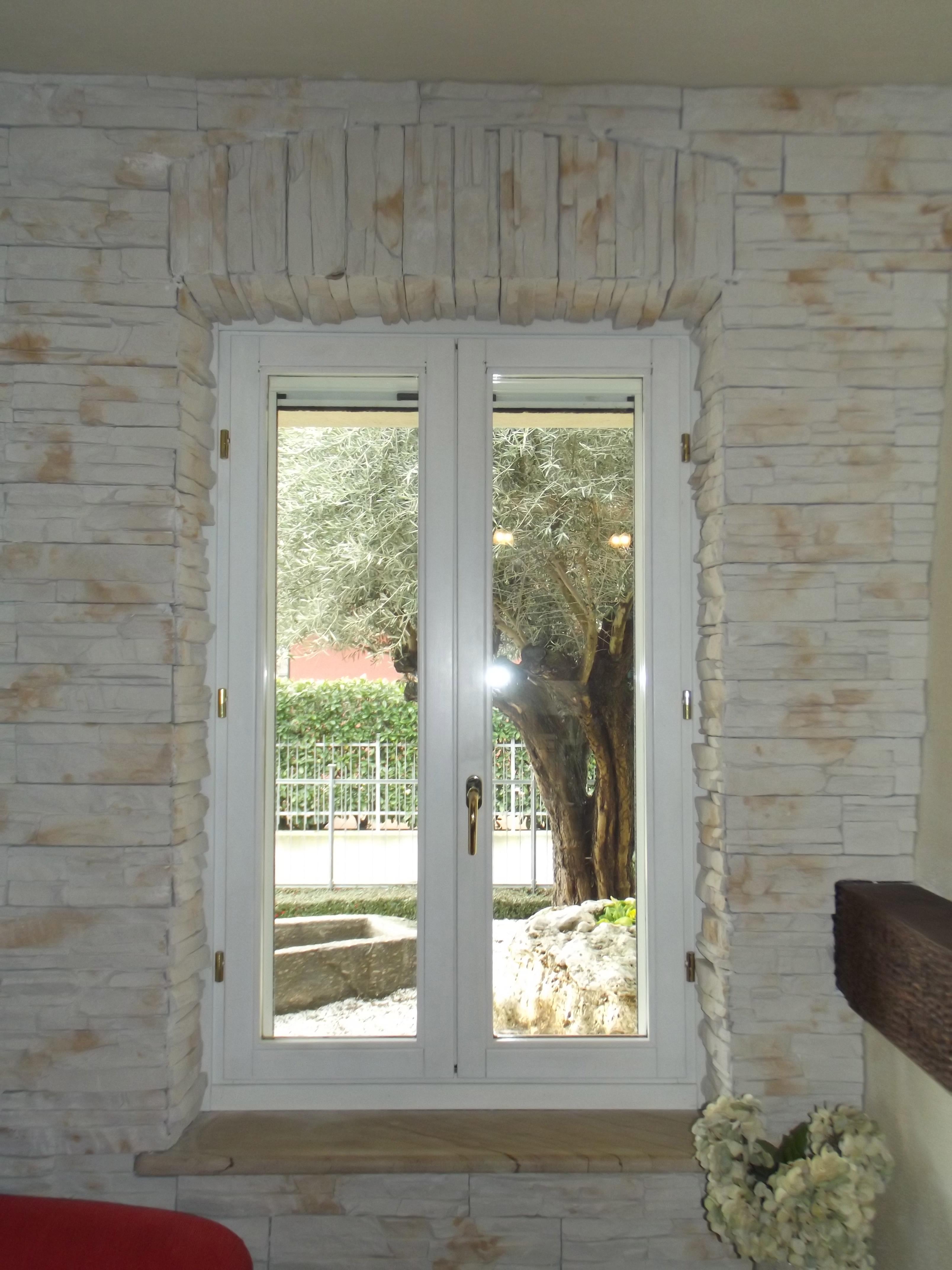 Rivestimento interno in pietra ricostruita a Verzuolo (CN) - GIO ...